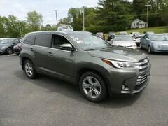 Buy a 2017 Toyota Highlander in Johnstown, NY