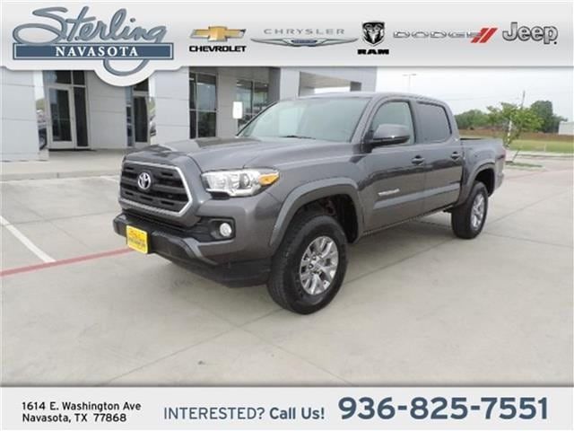 2017 Toyota Tacoma SR5 V6 4x2 Double Cab 127.4 in. WB Double Cab