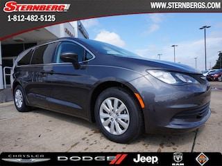 New 2018 Chrysler Pacifica L Passenger Van 94182 for sale near Jasper, IN