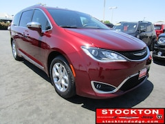 Used 2018 Chrysler Pacifica Limited *Previous Daily Rental Passenger Van Stockton, CA