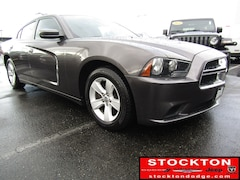 2013 Dodge Charger SE *Previous Daily Rental Sedan