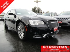 New Chryser Dodge Jeep Ram 2019 Chrysler 300 TOURING L Sedan Stockton, CA