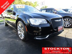 New 2019 Chrysler 300 TOURING L Sedan Lodi California