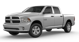 New Chrysler Dodge Jeep Ram Models 2018 Ram 1500 EXPRESS CREW CAB 4X4 5'7 BOX Crew Cab 3C6RR7KT9JG219525 for sale in Pleasanton, CA