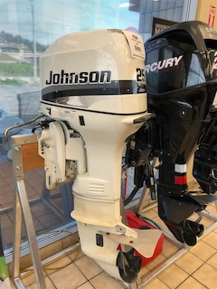 1997 JOHNSON 25 HP