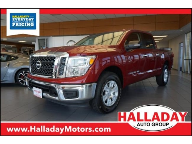 Certified Pre-owned 2018 Nissan Titan SV Truck Crew Cab in Cheyenne, WY