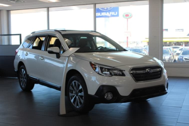 New 2019 Subaru Outback 3.6R Touring SUV in Columbia, MO