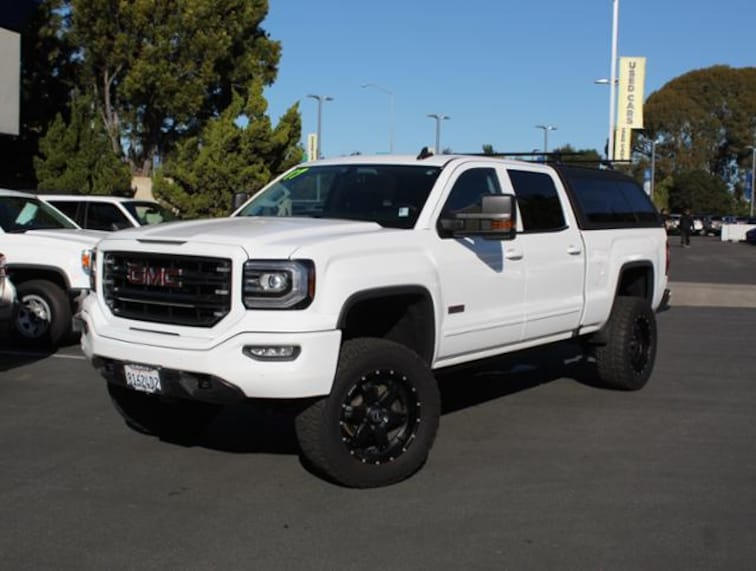 Used 2017 GMC Sierra 1500 4WD Crew Cab 143.5 SLT Truck for sale in the Bay Area