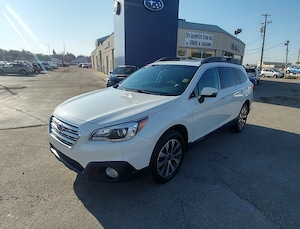 2015 Subaru Outback Limited AWD with Heated Seats