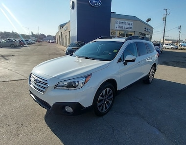 2015 Subaru Outback Limited AWD with Leather Interior & Heated Seats SUV