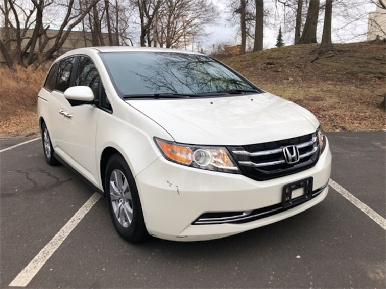 2016 Honda Odyssey SE Minivan/Van for sale near Danbury, Rye, Greenwich, and Norwalk.