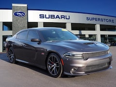 2017 Dodge Charger R/T Scat Pack RWD Car