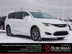 2019 Chrysler Pacifica LIMITED Passenger Van farmington hills mi