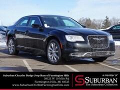2019 Chrysler 300 TOURING L AWD Sedan in Farmington Hills, MI