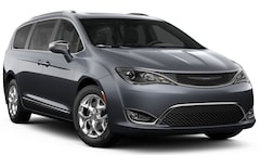 2019 Chrysler Pacifica LIMITED Passenger Van farmington hills mi
