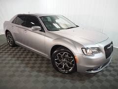 2015 Chrysler 300 S Sedan in Farmington Hills, MI