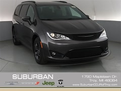 2019 Chrysler Pacifica LIMITED Passenger Van troy mi