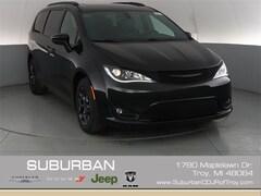 2019 Chrysler Pacifica LIMITED Passenger Van troy mi