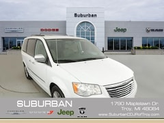 2014 Chrysler Town & Country Touring-L Minivan/Van troy mi