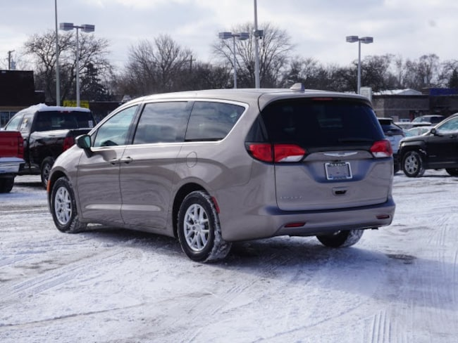 Used 2017 chrysler pacifica lx for sale garden city mi for Suburban chrysler garden city mi