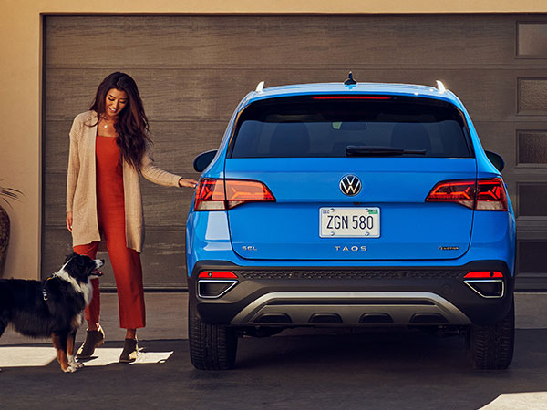 2022 Volkswagen Taos Rear Angle