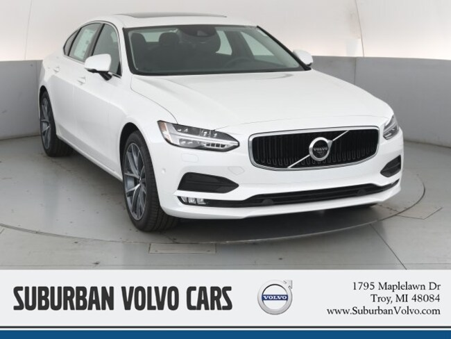 2019 Volvo S90 T6 Momentum Sedan