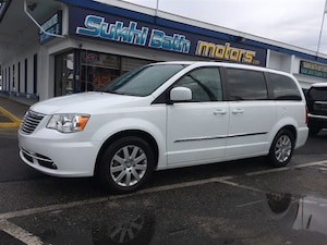 2015 Chrysler Town & Country Touring 7 PASSENGER\ POWERFUL FAMILY CAR!
