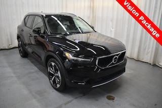 New 2019 Volvo XC40 T5 Momentum SUV YV4162UK2K2103919 for Sale in Champaign, IL
