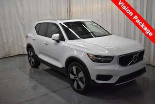 New 2019 Volvo XC40 T5 Momentum SUV YV4162UK1K2077619 for Sale in Champaign, IL