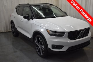 New 2019 Volvo XC40 T5 R-Design SUV YV4162UM5K2107397 for Sale in Champaign, IL