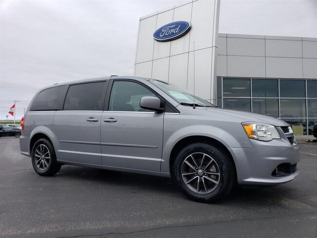 2017 Dodge Grand Caravan SXT-QUADS-THIRD-STOW N GO-LEATHER-BACKUP CAM-1 OWN Van