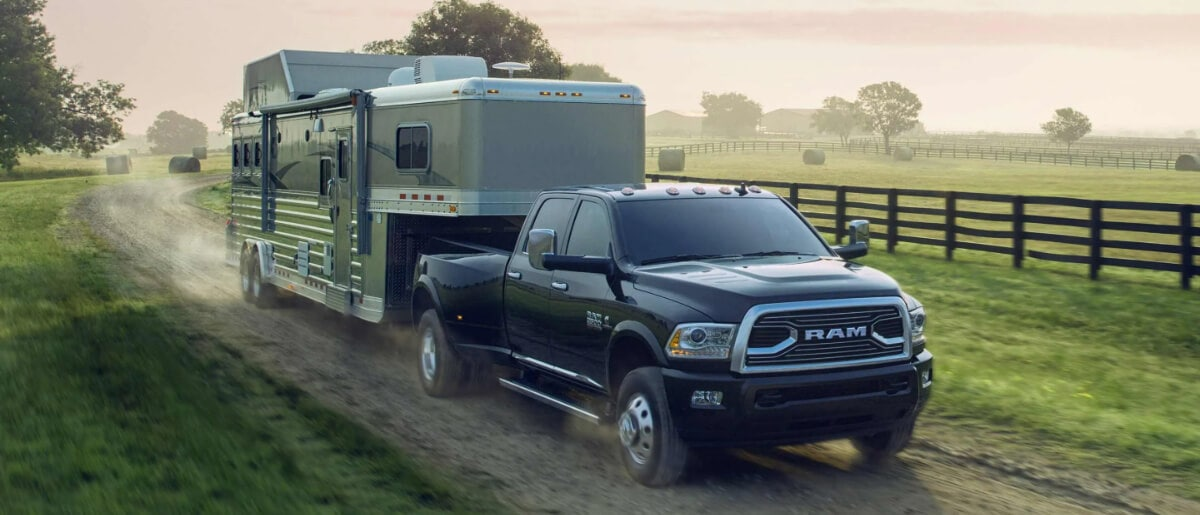 Ram 3500 Towing Capacity >> All New 2018 Ram 3500 Truck Towing Payload Capacity