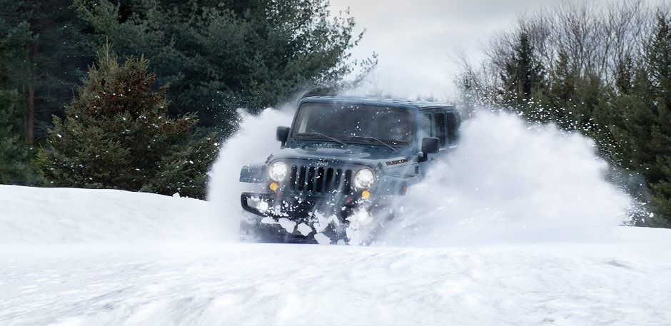 2017 Jeep Wrangler Unlimited Driving in Snow