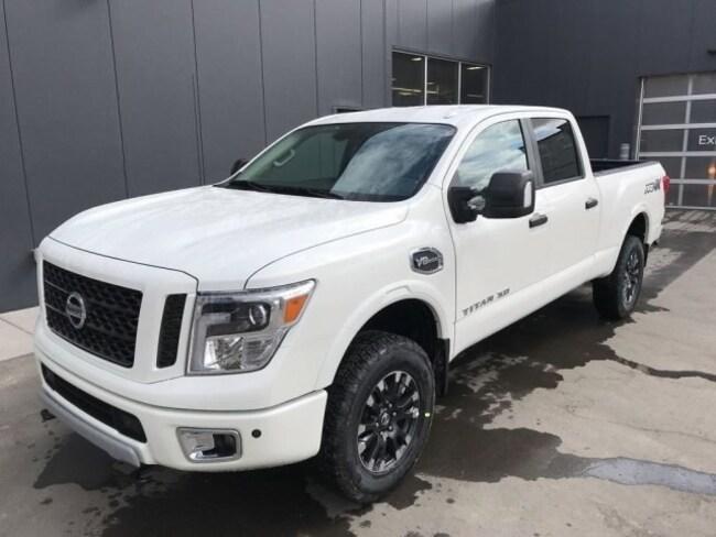 2019 Nissan Titan XD PRO-4X Gas Truck Crew Cab