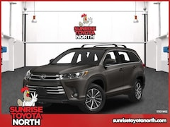 New 2018 Toyota Highlander XLE V6 SUV Middle Island New York