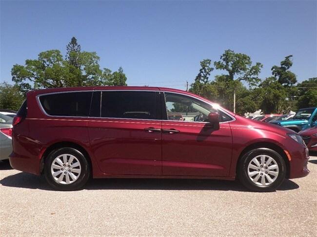 Certified pre-owned 2018 Chrysler Pacifica L Van in Sarasota