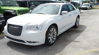 New 2019 Chrysler 300 LIMITED Sedan in Sarasota, FL
