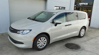 New 2019 Chrysler Pacifica L Passenger Van in Sarasota, FL