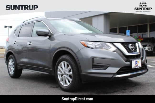 Used 2017 Nissan Rogue SV SUV in Wentzville