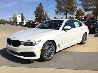New 2019 BMW 5 Series 530e xDrive iPerformance Sedan W375682 near Rogers, AR