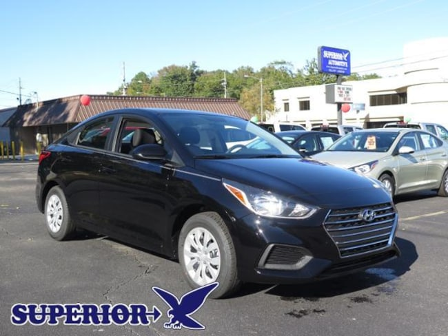 2019 Hyundai Accent SE  Auto Sedan