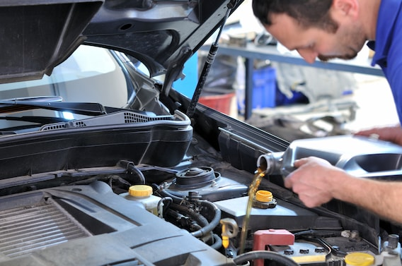 Quick Oil Change Service At Red McCombs Superior Hyundai