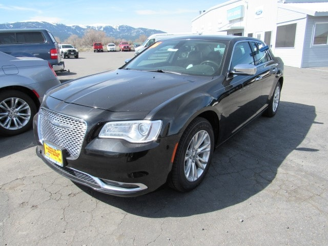 2016 Chrysler 300 Base Sedan