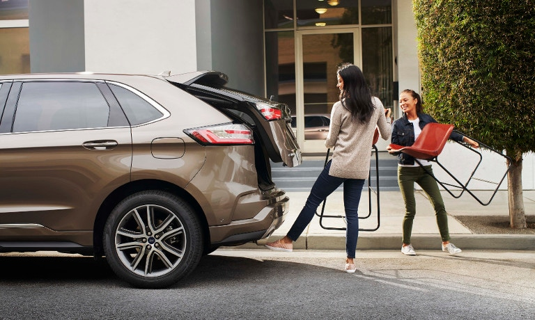 2019 Ford Edge size and cargo space