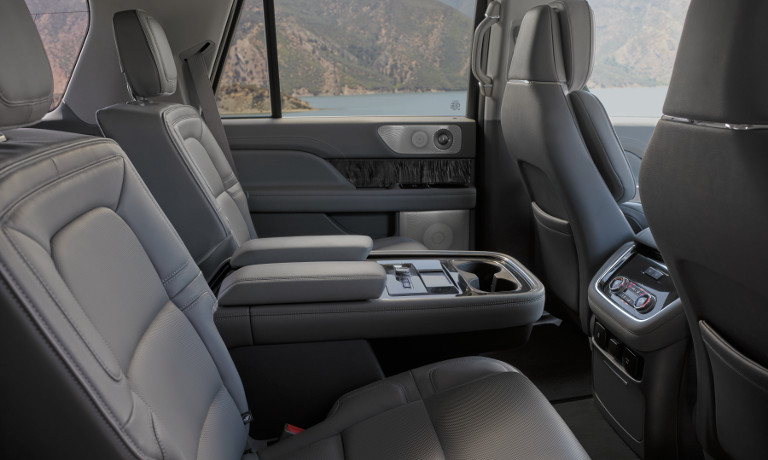 2019 Lincoln Navigator Black Label interior image
