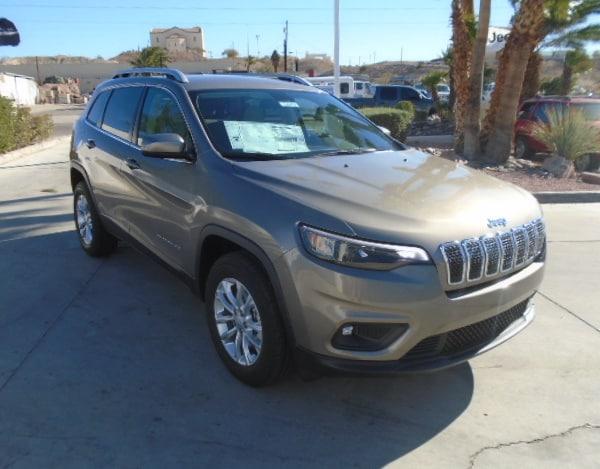 New 2019 Jeep Cherokee LATITUDE 4X4 Sport Utility Bullhead City AZ