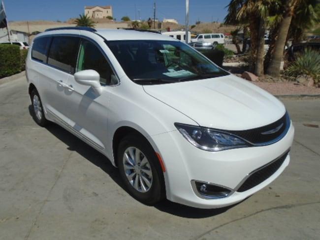 New 2018 Chrysler Pacifica TOURING L Passenger Van Lake Havasu City