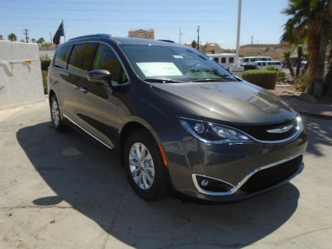 New 2018 Chrysler Pacifica TOURING L Passenger Van Lake Havasu City