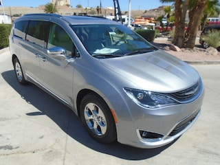 New 2018 Chrysler Pacifica Hybrid LIMITED Passenger Van Bullhead City