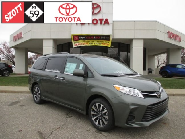 New 2019 Toyota Sienna LE Van in Waterford